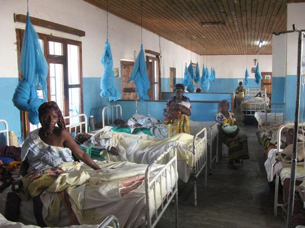 African-Maternity-Ward