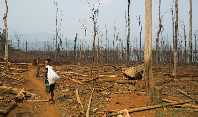 THE PITFALLS OF  MYANMAR'S HYDRO BLITZ