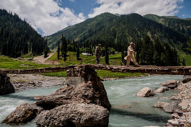 Kashmir-water