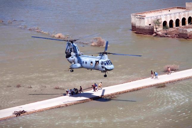Marines-relief-Pakistan