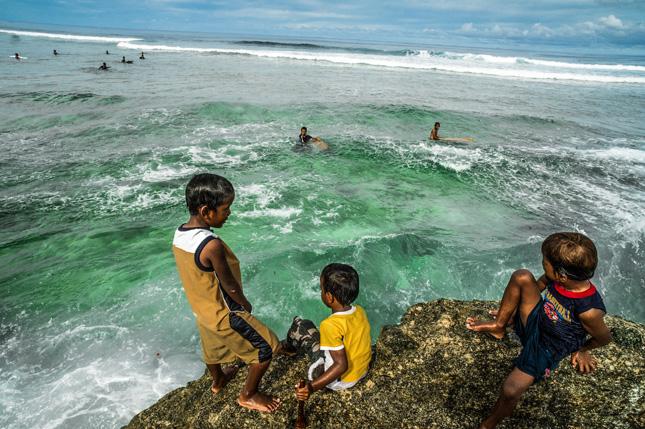 Children-Surf