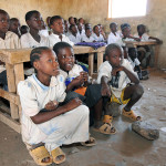 (2011_Education_for_All_Global_Monitoring_Report)_-School_children_in_Kakuma_refugee_camp,_Kenya_1