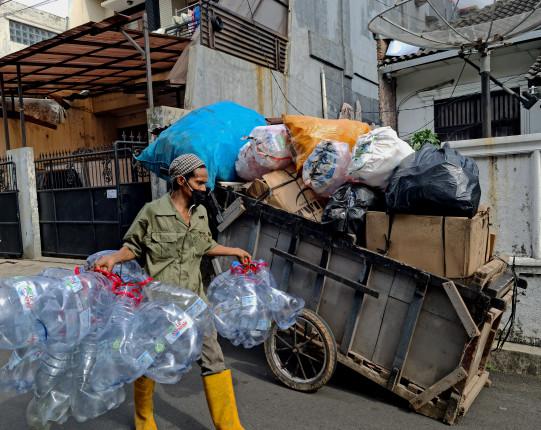 an informal waste picker