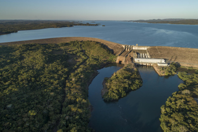 Aerial view of Manso Dam  The Manso Dam is a hydroelectric dam on the Manso River, a tributary of the Cuiabá River, in the state of Mato Grosso, Brazil.