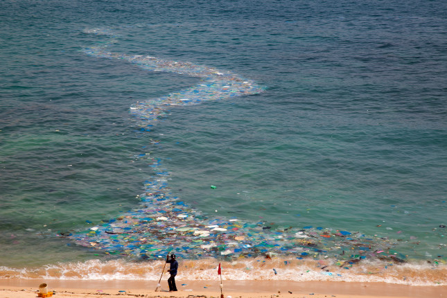 Ninh,Thuan,vietnam,,-april,19,,2019:plastic,Waste,Is,Stranded,On,The
